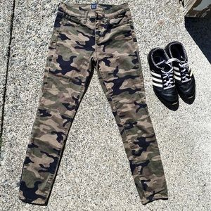 Gap Camouflage Skinny Jeans Woman's Size 27